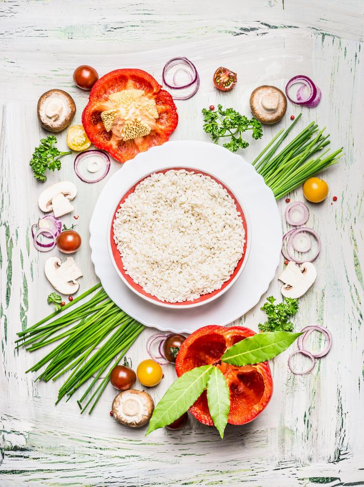 お米と何種類もの野菜