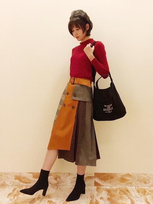 ニット×オレンジスカート
