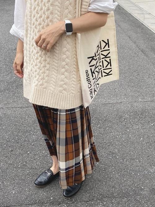 タータンチェックのプリーツスカートコーデ