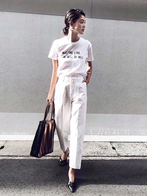 Tシャツとパンツの夏コーデ