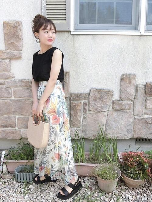 花柄スカートを使った鎌倉の服装