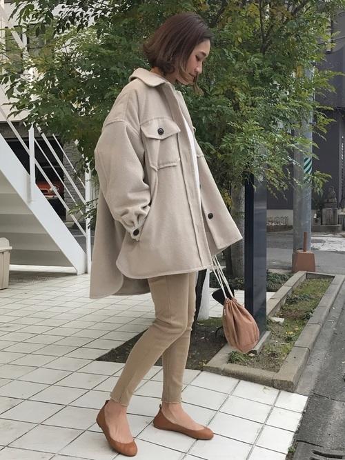 ベージュジャケットを使った鎌倉の服装