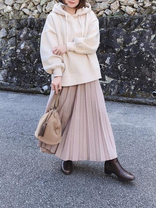 フレアスカートを使った鎌倉の服装