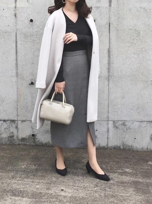 ノーカラーコートを使った迎賓館見学の服装