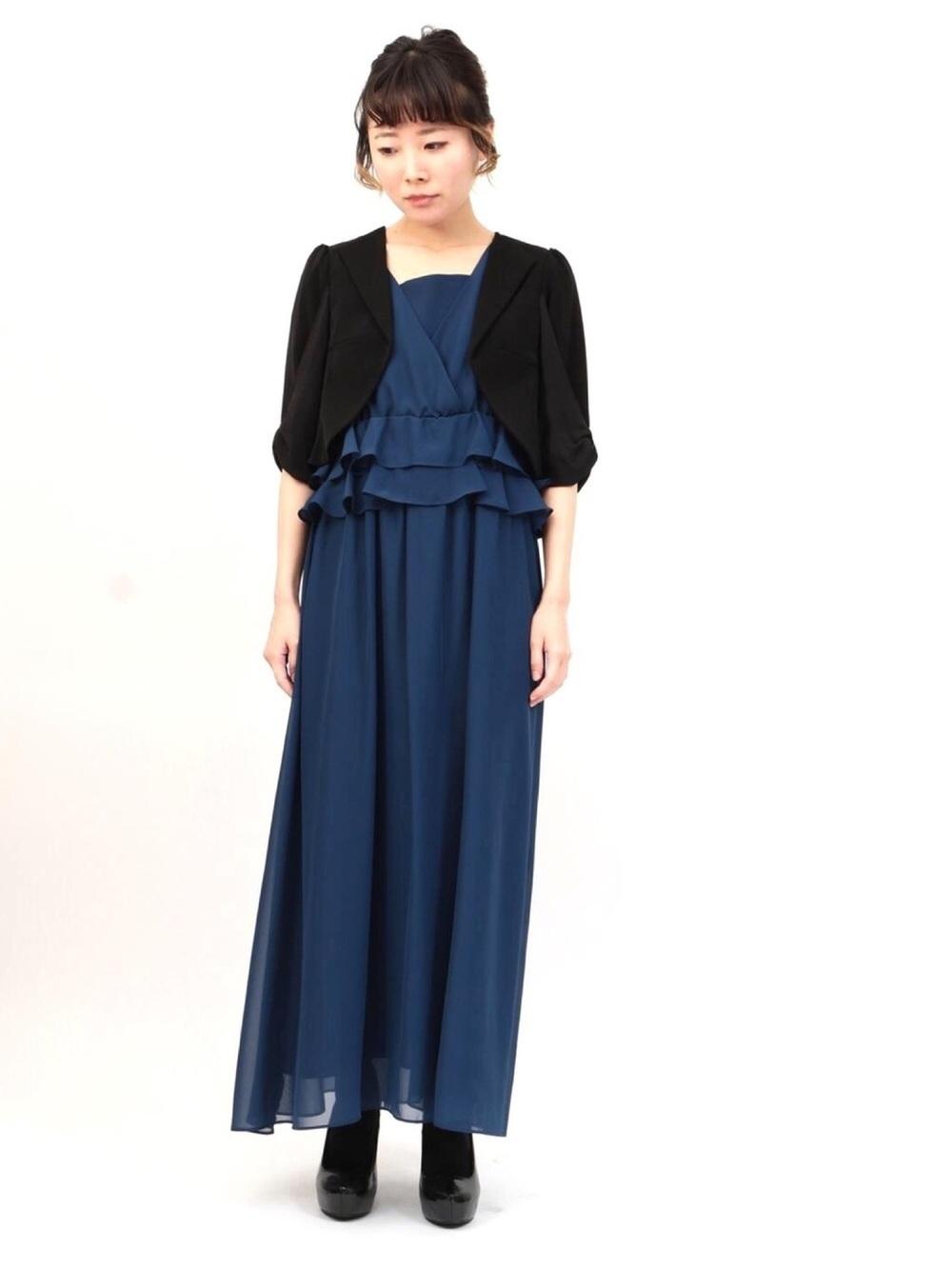 紺ドレスと黒ジャケット
