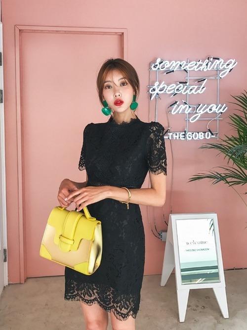 韓国のクラブに合ったレースワンピースを使った服装