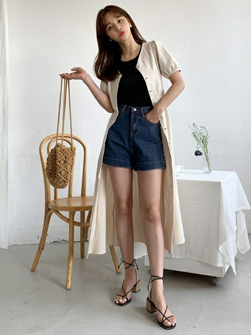 韓国のクラブに合ったカジュアルな服装