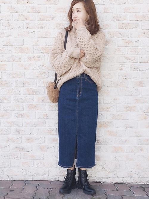 デニムスカート×GU(ジーユー)の編み上げショートブーツ