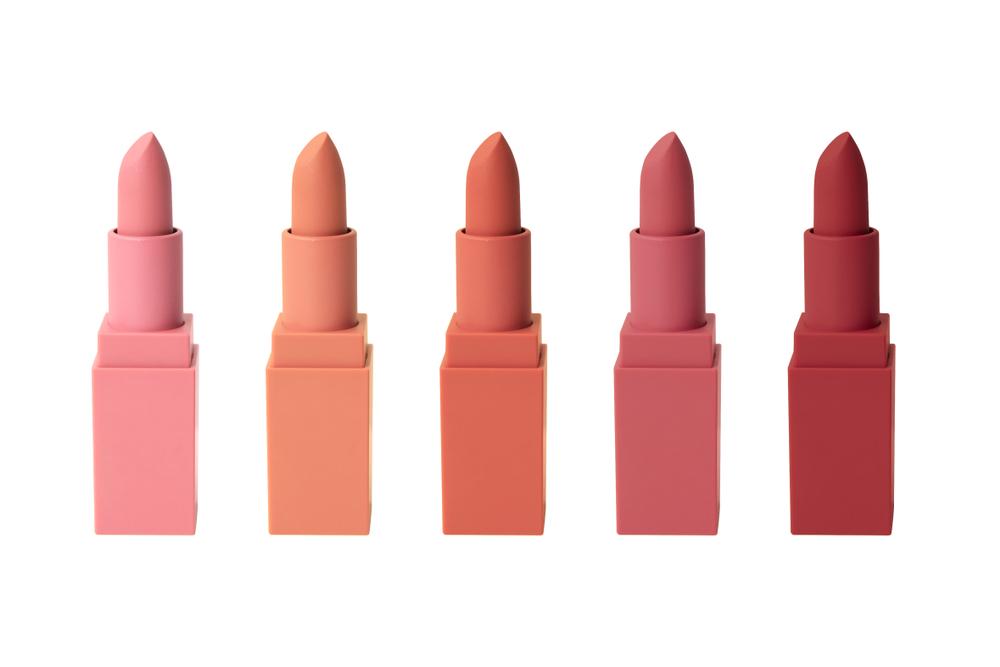 色々なカラーの口紅