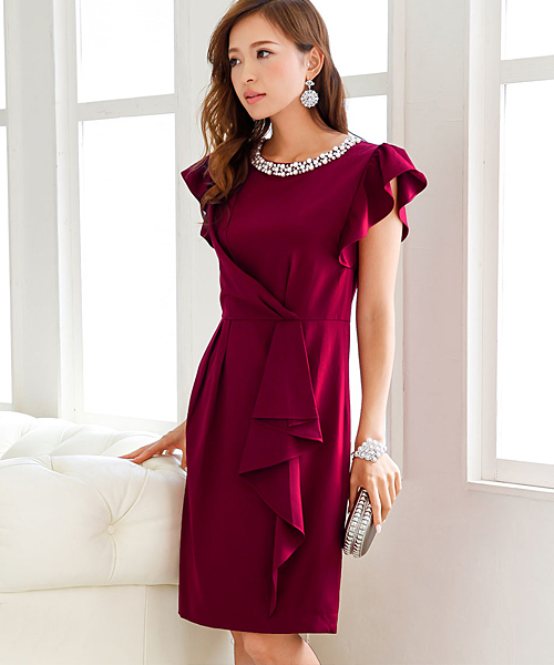 ボルドーのドレス
