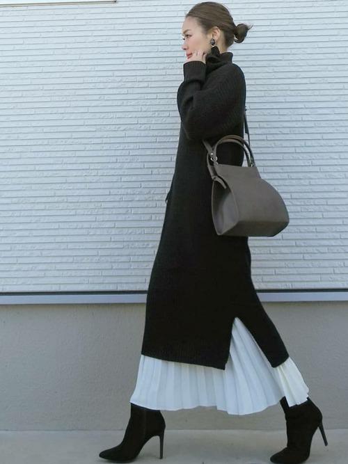 白プリーツスカートのコーデ