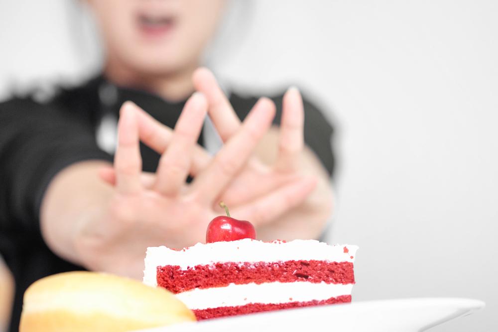 お皿にのせられたケーキ