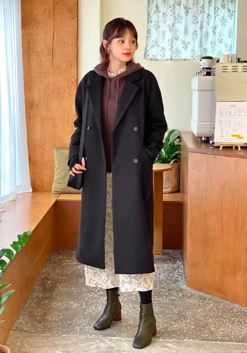 ロングコートを使った秋旅行の服装