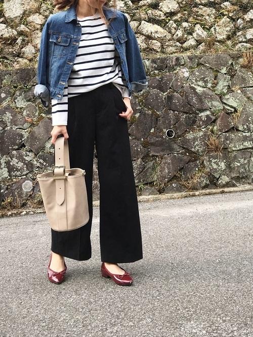 黒のワイドパンツに合わせる靴のおすすめコーデ