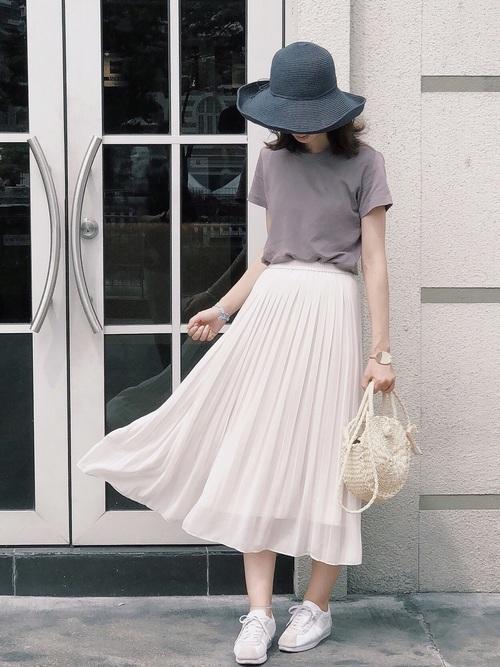 チューリップハット×プリーツスカート