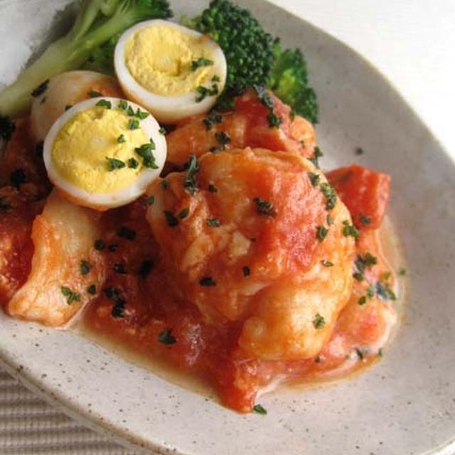 白身魚とウズラ卵のトマトチーズ煮