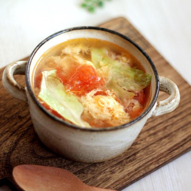 トマト・レタス・卵の3色スープ