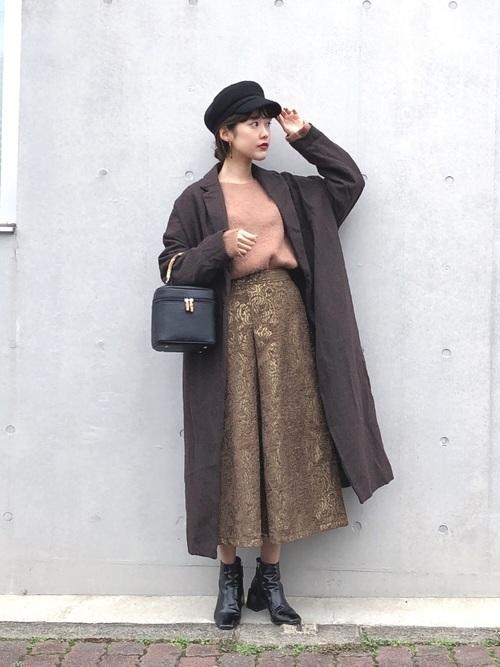 チェスターコートを使ったチェコの服装