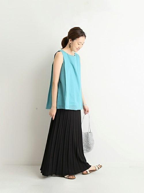 AラインTシャツ×プリーツスカート