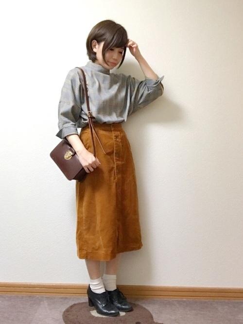 マスタードのスカート