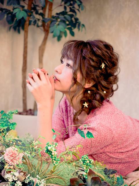 ミディアムパーマ×編み下ろしヘア