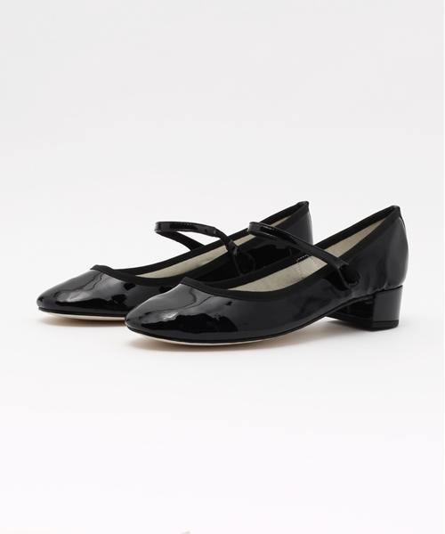 ストラップシューズってどんな靴?