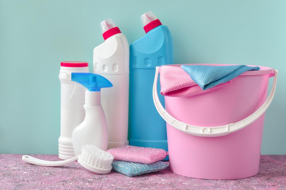 ゴミ箱を拭き掃除するアイテム