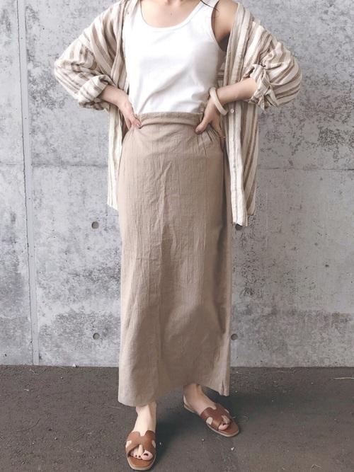 リネンスカートを使った29度の服装