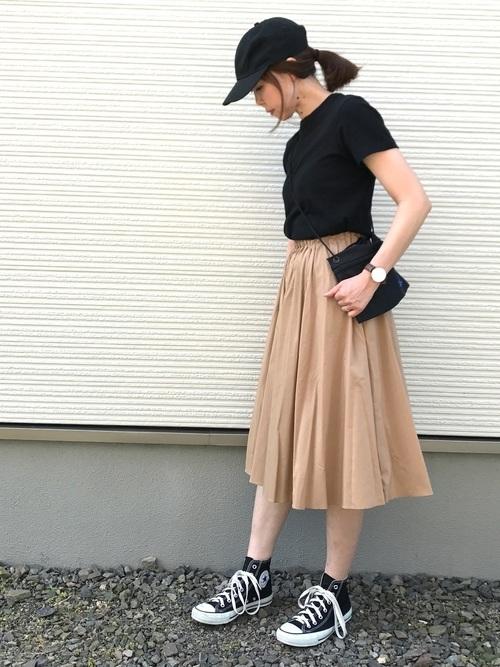 夏の黒スニーカーコーデ