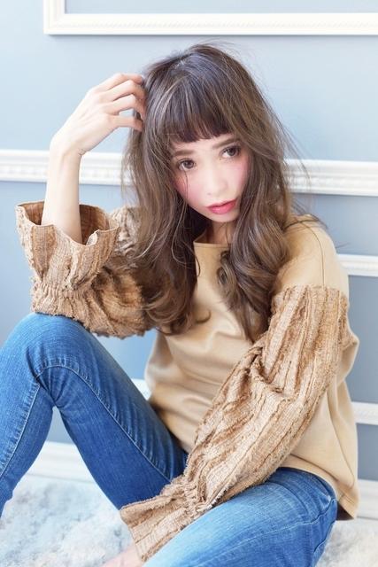オン眉×名古屋巻きヘア