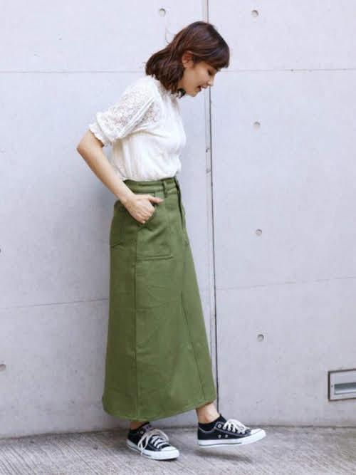ナロースカートを使ったコーディネート【4】夏:ベイカーナロースカート