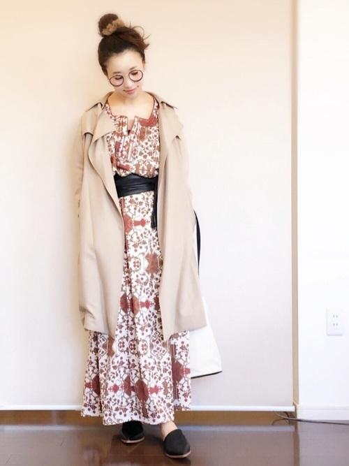 トレンチコート×オリエンタルファッション