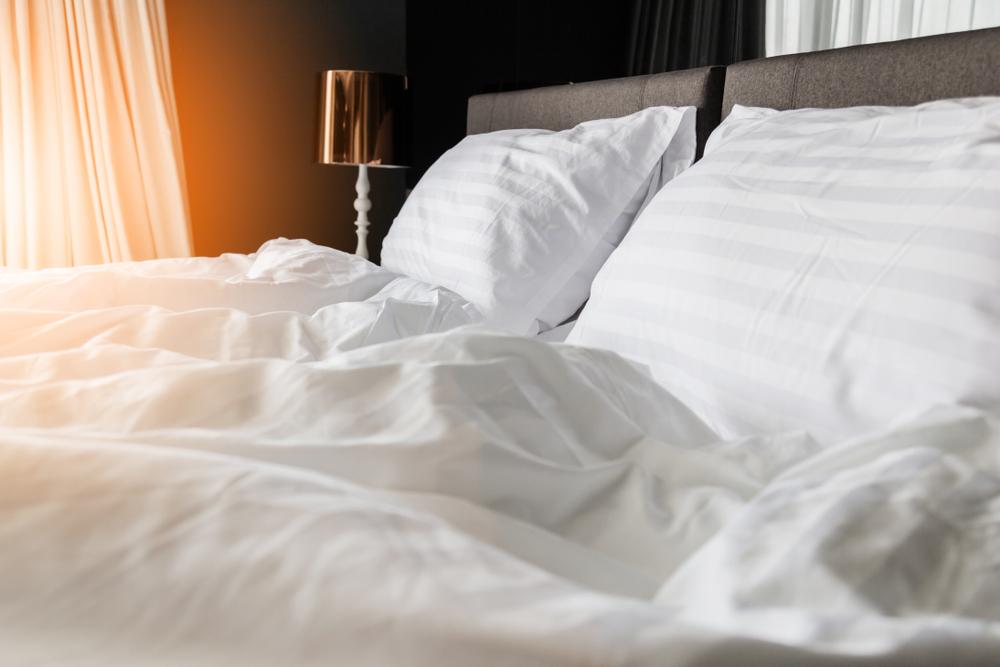 シルク素材の枕カバーやシーツ