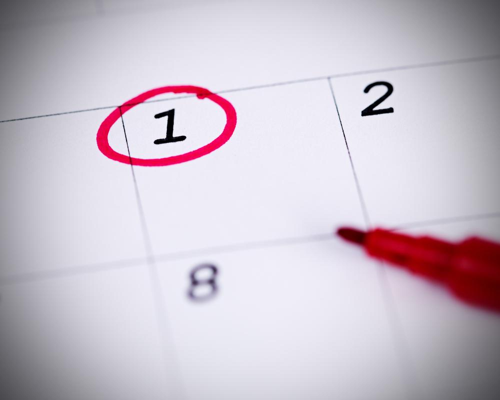 カレンダーと赤ペン