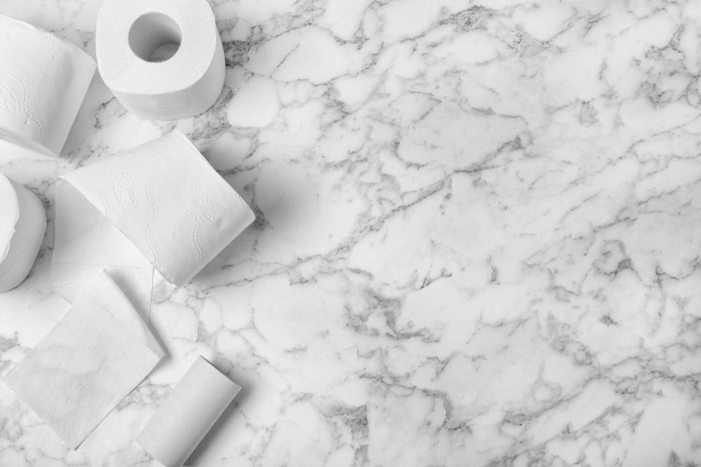 大理石のトイレの床