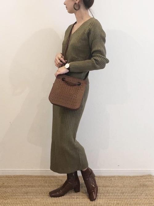 小柄さんにおすすめのロングスカートの秋コーデ