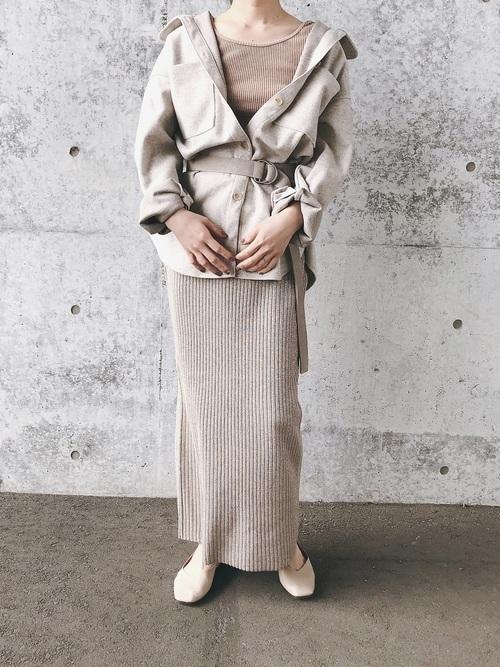 マキシ丈スカート×ベルトのコーデ