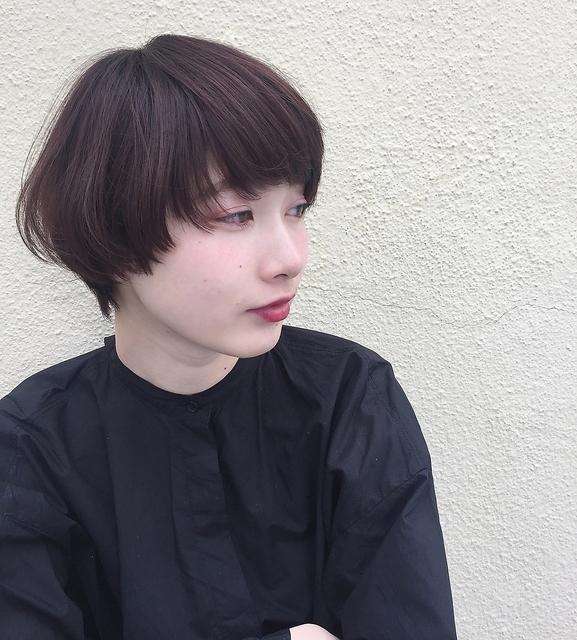 黒髪のマッシュショート