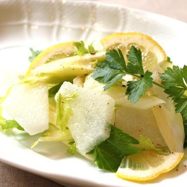 セロリと梨のジューシーサラダのレシピ
