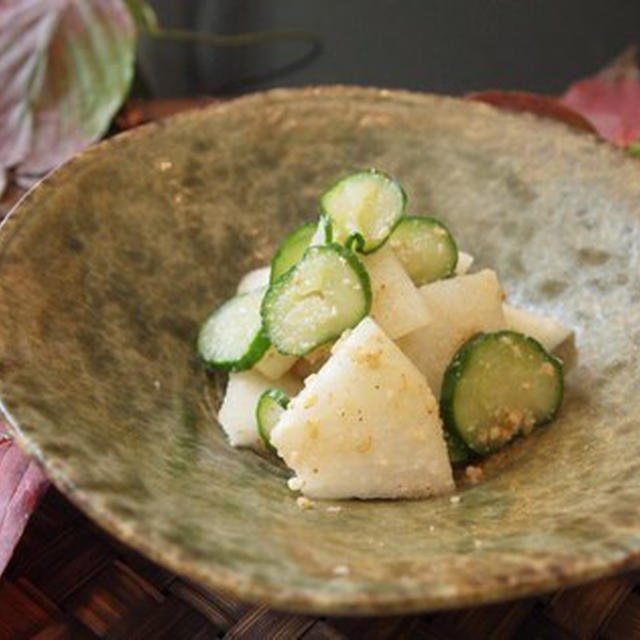 梨ときゅうりのごま酢和えのレシピ