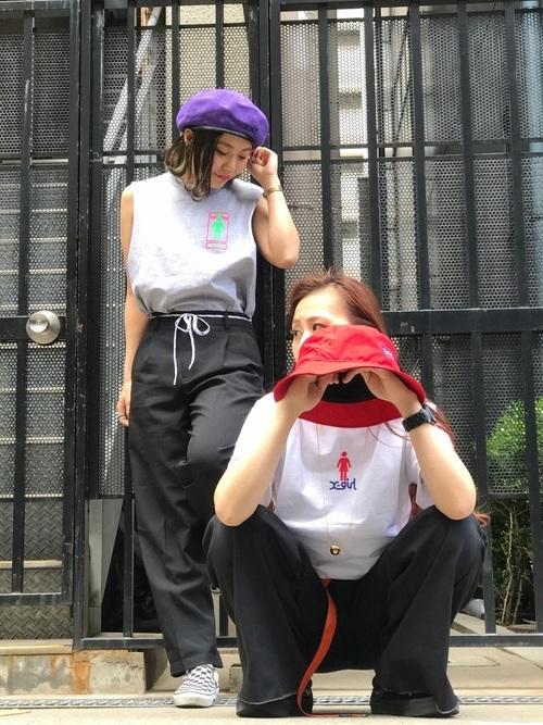 ストリート系ファッションにまとめたスケボーの服装