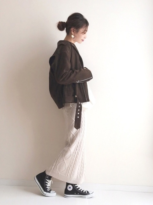 茶色ライダース×ニットスカート