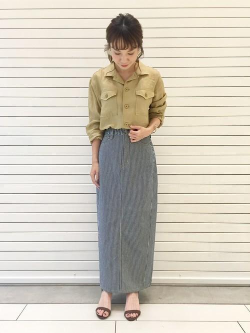 ヒッコリー柄スカートのコーデ