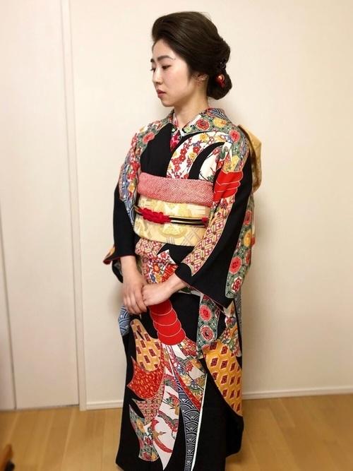 振袖を使った結婚式の姉妹の服装