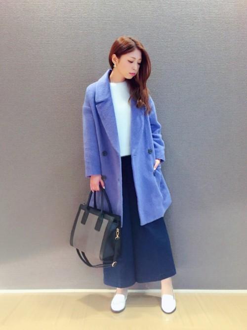 水色コート×紺ガウチョコーデ