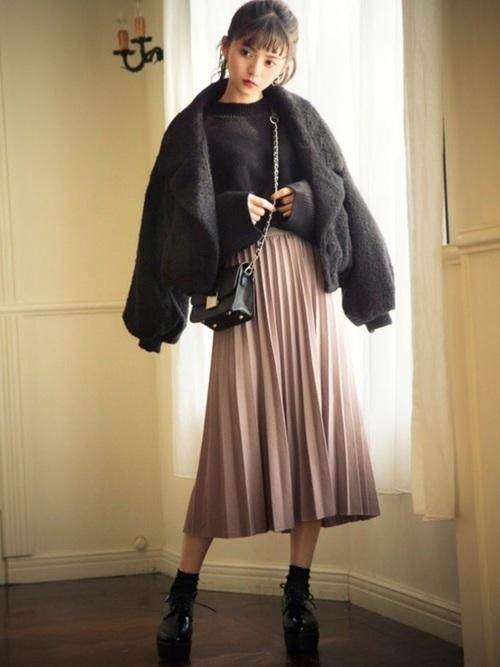 プリーツスカートを使ったジャケットとスカートコーデ