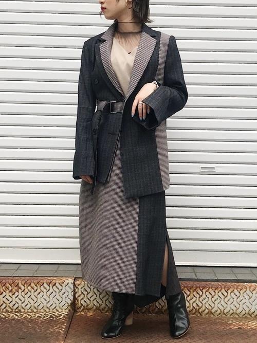 セットアップを使ったジャケットとスカートコーデ