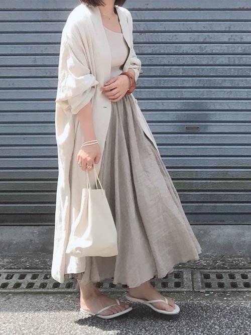 リネンスカートを使ったジャケットとスカートコーデ