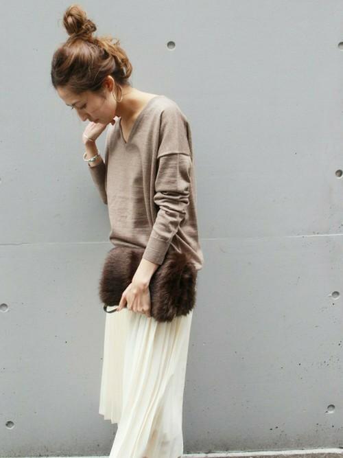 ドロップショルダーニット×プリーツスカート