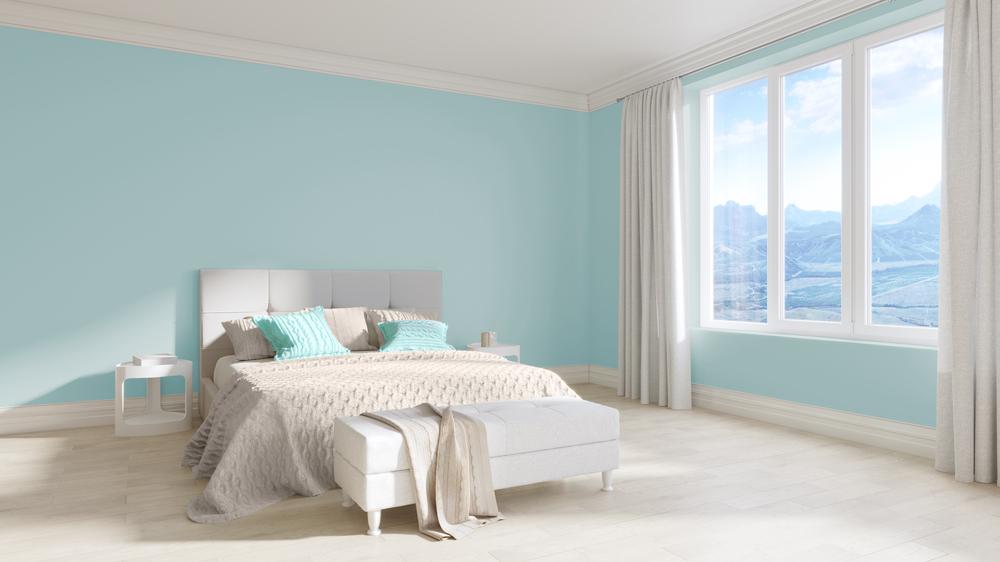 白と水色の部屋